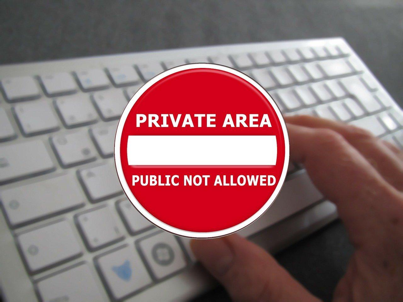 Jak polityka bezpieczeństwa może chronić firmę przed cyberprzestępcami