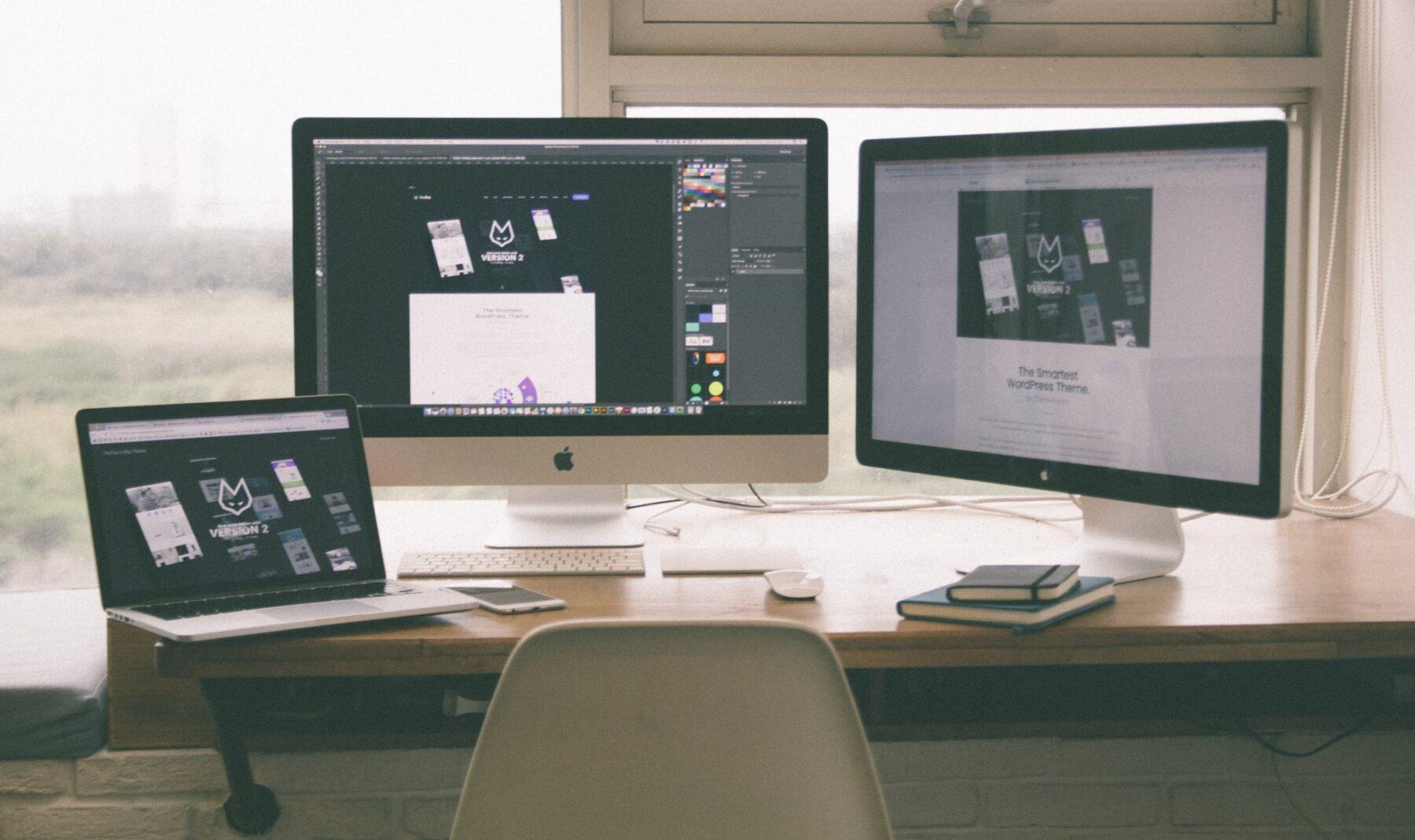 Tworzenie strony www – zlecić firmie czy skorzystać z darmowego kreatora?